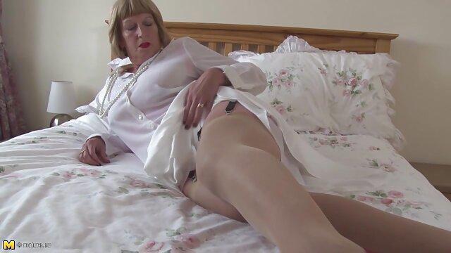 二つの売春婦ドイツの成熟した相互fondling膣 無料 女の子 av